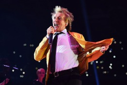 Living Legend Rod Stewart is Heading for Abu Dhabi