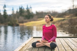 Living Mindfully; Using the Power of Mindfulness to Fulfill Your Life