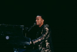 Dubai Falls In Love with John Legend at the Emirates Airline Dubai Jazz Festival
