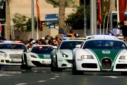 Kind Acts by Traffic Police Across the UAE