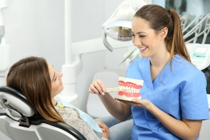 Dentists in Dubai: Top Tips to Maintain Good Oral Hygiene
