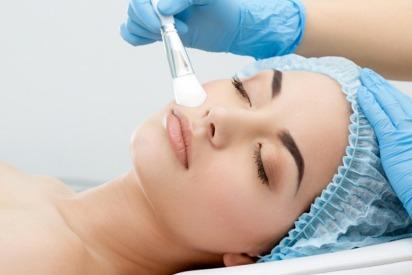 5 Things to Consider Before Having Skin Peels in Abu Dhabi