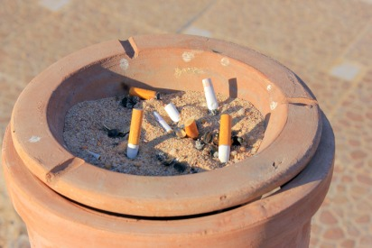 Smokers in Dubai Reminded of the Fines They Face
