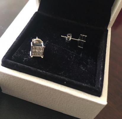 Ernest & young diamond stud earrings