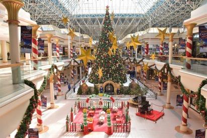 Enjoy a Classic Christmas and Meet Santa at WAFI this December