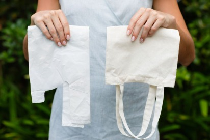 UAE May Soon Charge Shoppers for Single-Use Plastic Bags
