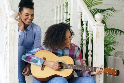 Competition: Win Yourself an Expensive Guitar by Thomsun Group