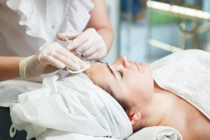 Fillers in Dubai: Keep Your Skin Smooth and Plump