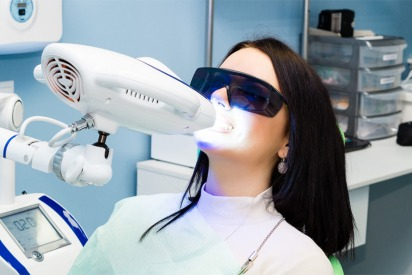 Different kinds of teeth whitening procedures