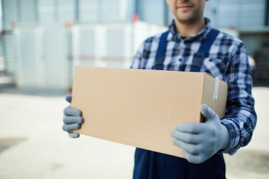 Pros and Cons of Shipping with a Shared Container
