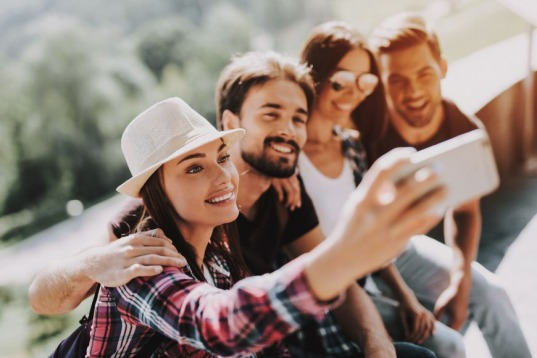 Selfie Wrist: The rising Health Hazard of Digital Era