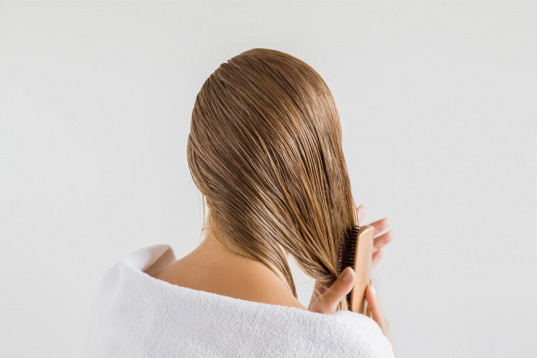 Greasy hair and how to prevent it