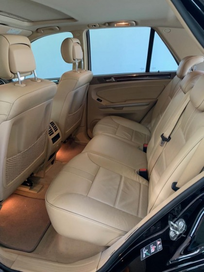 Mercedes ML350 Model 2010 in mint condition