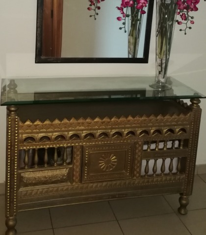 Stunning hand crafted console/buffet