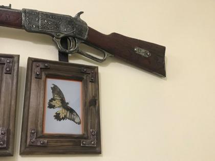 Vintage gun wall decor