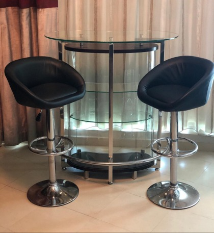 Glass Bar with 2 Bar Stools